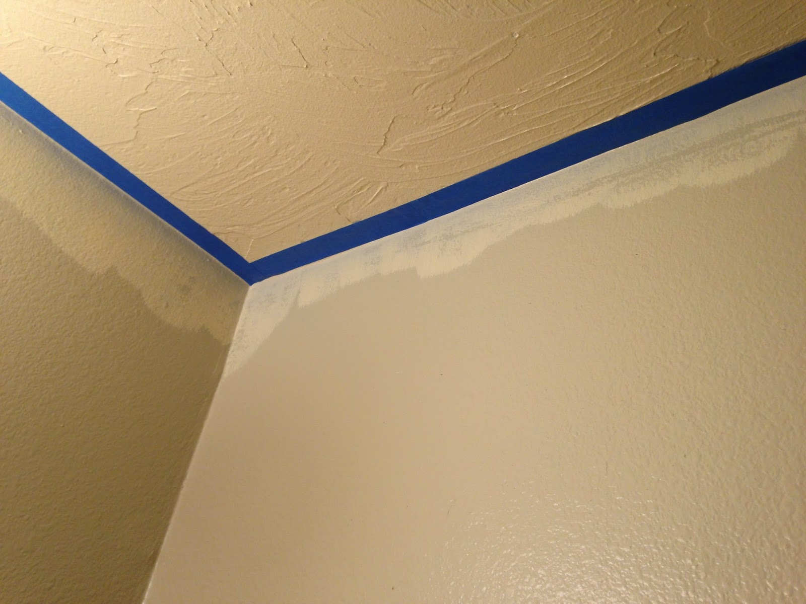 How To Get A Perfect Painted Line Between The Wall And Ceiling First Paint Your Second Let Cure Then Tape Edges