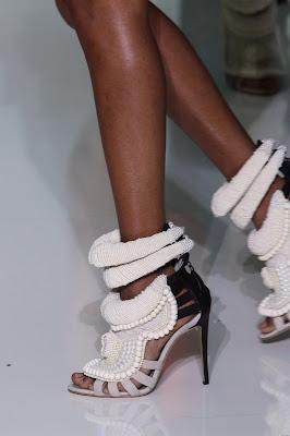 El cantante Kanye West conquista el mundo de la moda (II)