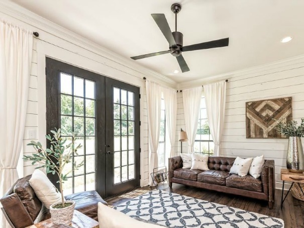 modern farmhouse ceiling fan, modern farmhouse living room, ceiling fan
