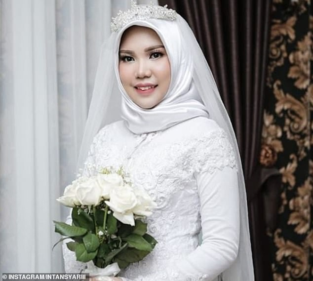 Heartbroken lady who lost her fiance in Indonesian plane crash goes ahead with her wedding