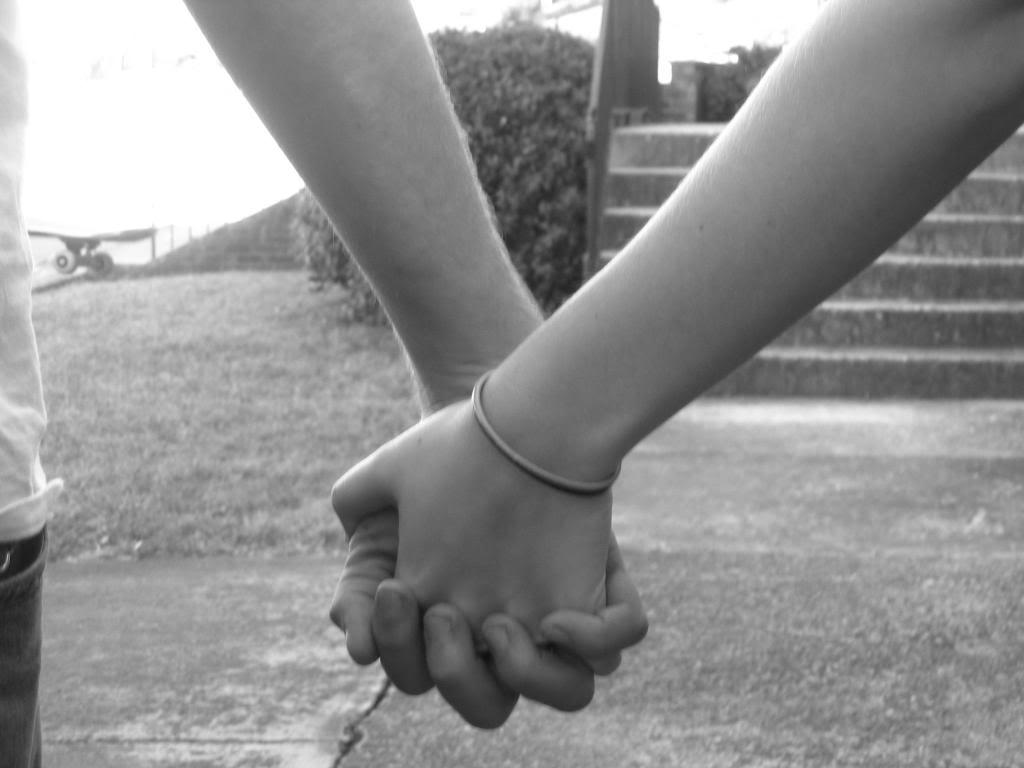 boys holding hands tumblr - photo #42
