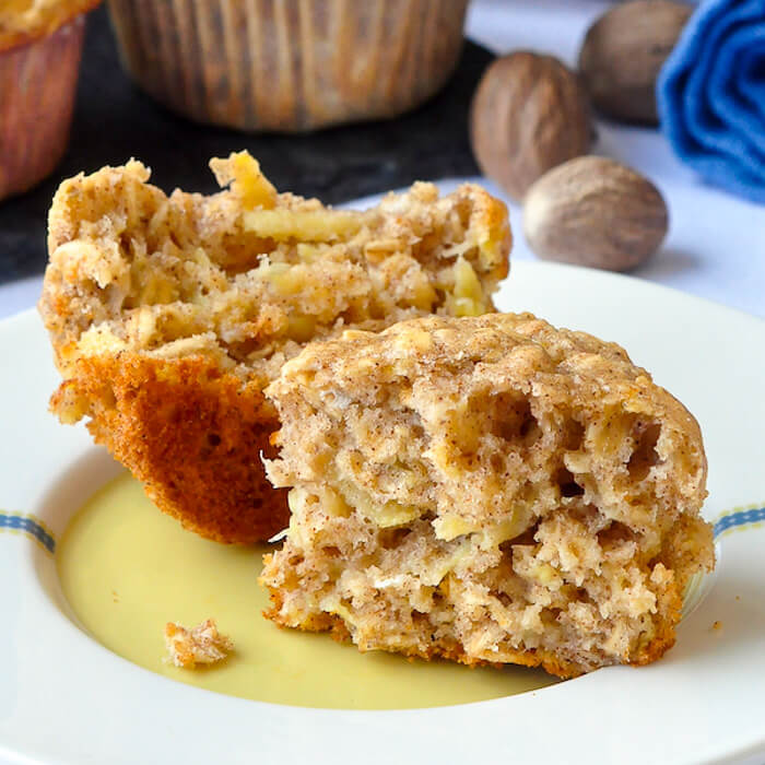 OATMEAL APPLE BANANA LOW FAT MUFFINS #muffins #dessert