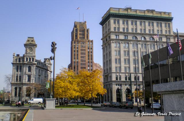 Onondaga County Savings Bank - Syracuse, NY por El Guisante Verde Project