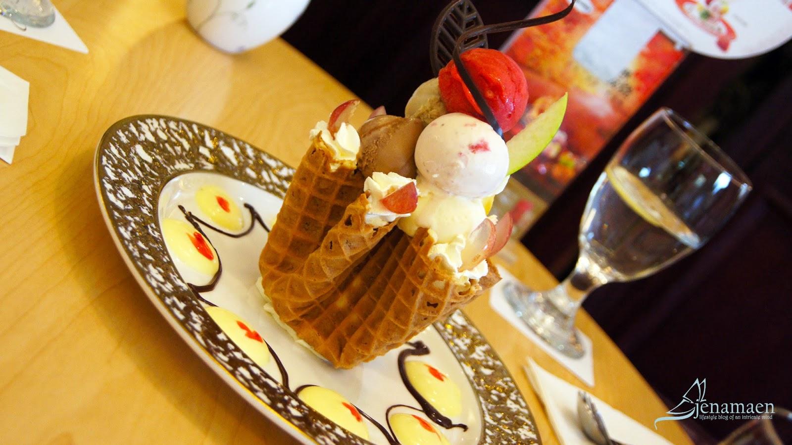 Haagen-Dazs's Beautiful Dessert Creations, in Shanghai China
