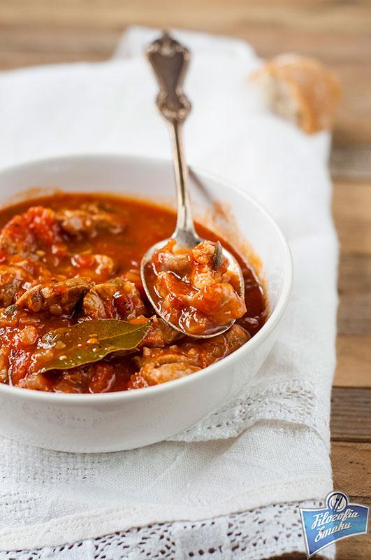 Gulasz cielęcy z pomidorami
