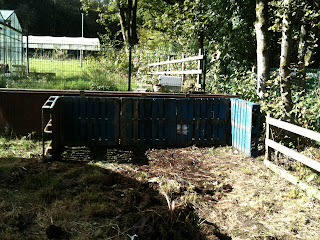 gardening, how to build compost bins