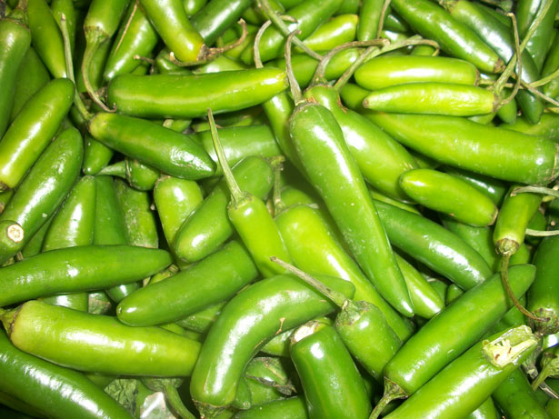 Incredible Health Benefits of Green Chillies - RictasBlog