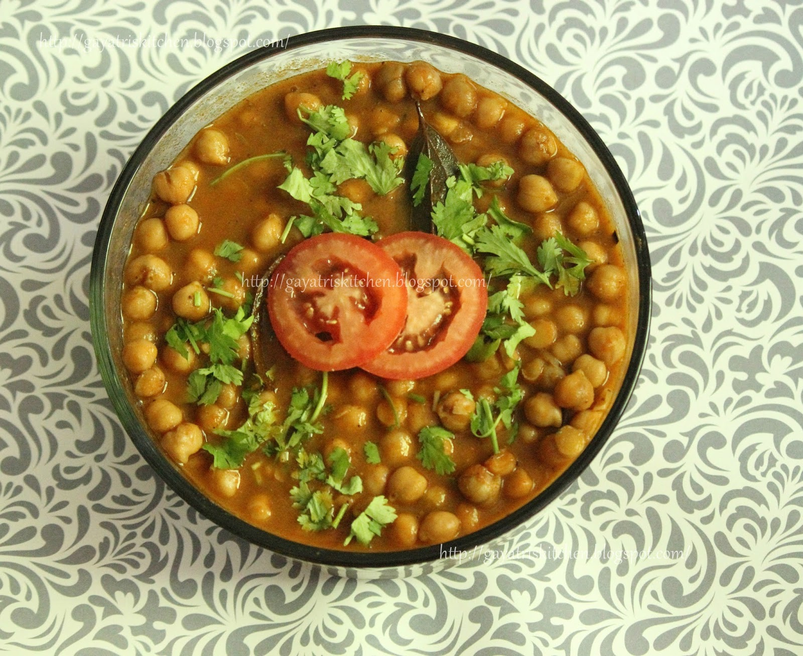 Gayatris kitchen chana masala without onion and garlic chhole this version i have prepared considerign travelroad trip having kids and aged people for road tripst adding onions and garlic makes this gravy last forumfinder Images