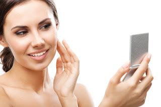 Prueba producto para hidratar la piel bajo la ducha
