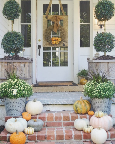 Rustic and neutral Fall porch