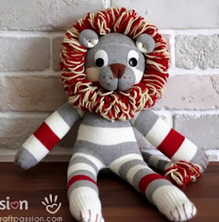 http://translate.googleusercontent.com/translate_c?depth=1&hl=es&rurl=translate.google.es&sl=en&tl=es&u=http://www.craftpassion.com/2014/02/how-to-sew-sock-lion.html/2&usg=ALkJrhjTemOLl4KYLncNZsmC8t_NYuKvNQ