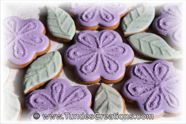 Purple flower  cookie set by Tunde Dugantsi