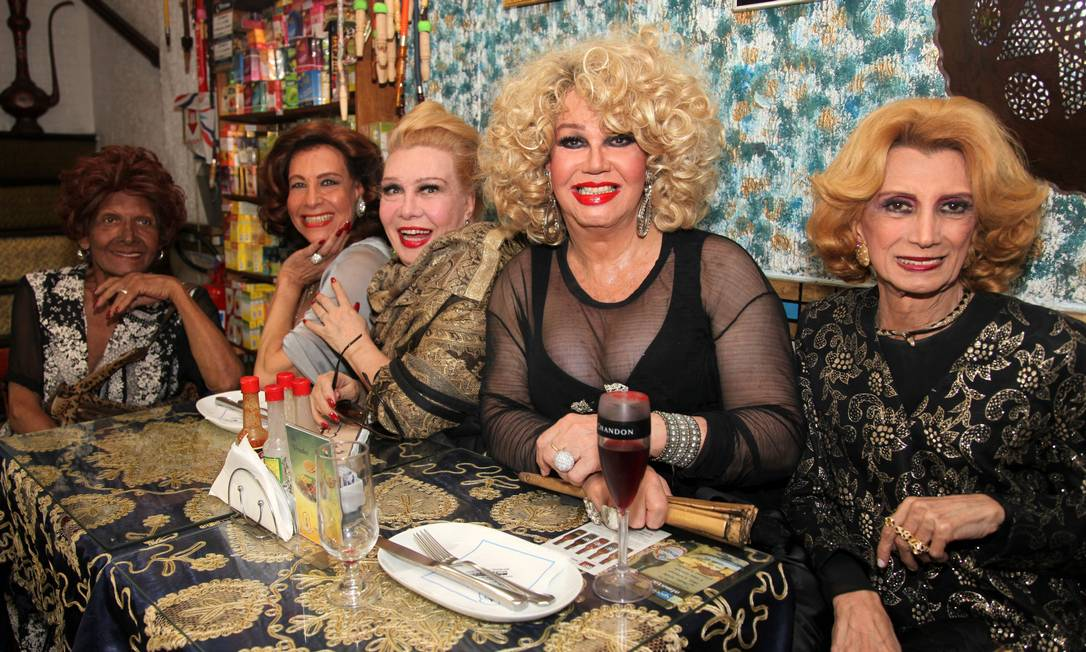 Documentário 'Divinas divas' terá trio elétrico na Parada LGBT de SP