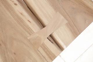 Designova lavice z naturálního dřeva Reaction