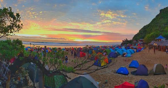 Menikmati Sunset Pantai Pok Tunggal Yogya
