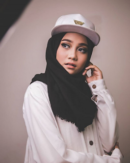 Hijab Modern Sporty Look Outfit Lebaran 2018