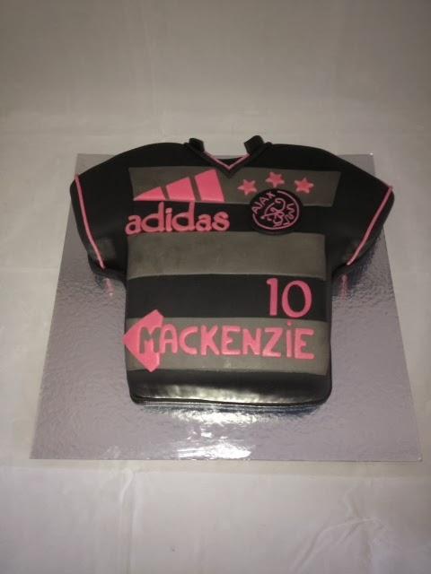 Populair Ajax-dames-uitwedstrijd-shirt taart 137 @IK77