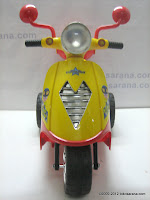 2 Junior TR0903 Skupi Battery-powered Toy Motorcycle in Red 2