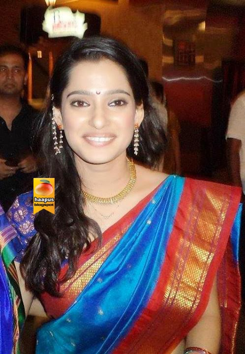 Priya Bapat Beautiful Pics In Saree  Cute Marathi -1655