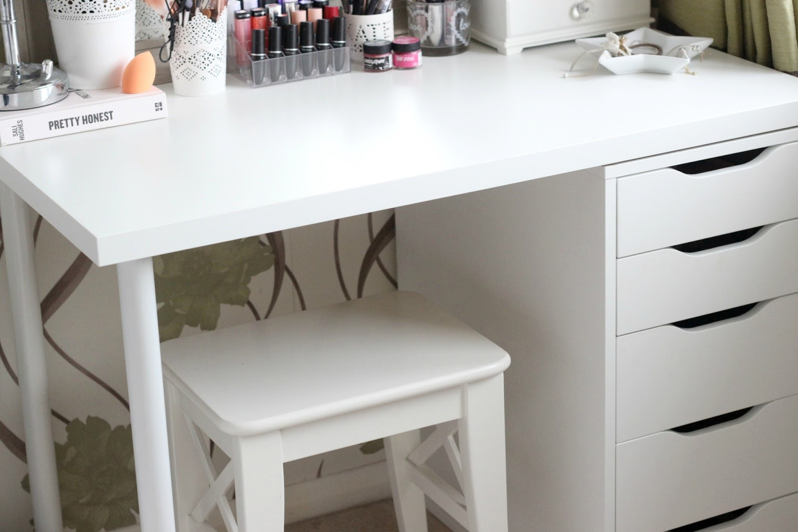 Diy Ikea Vanity Amp Makeup Storage It S Kt