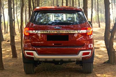 Eksterior All New Ford Everest Tampak Belakang