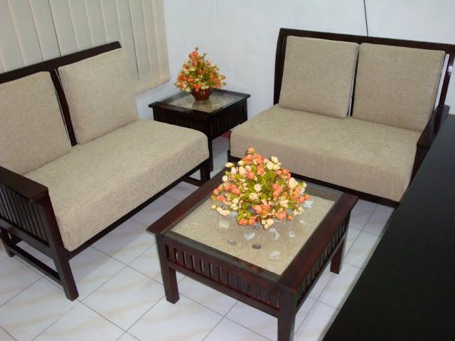 Sofa Minimalis Klasik Untuk Ruangan Tamu Kecil
