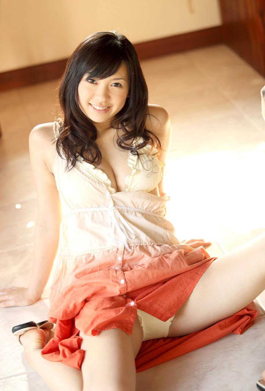 nana ogura sexy bikini pics 05