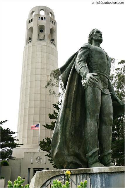 Torre Coit y Estatua de Cristóbal Colón en San Francisco