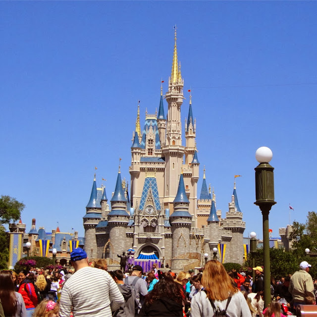 Walt Disney World Magic Kingdom Cinderella castle