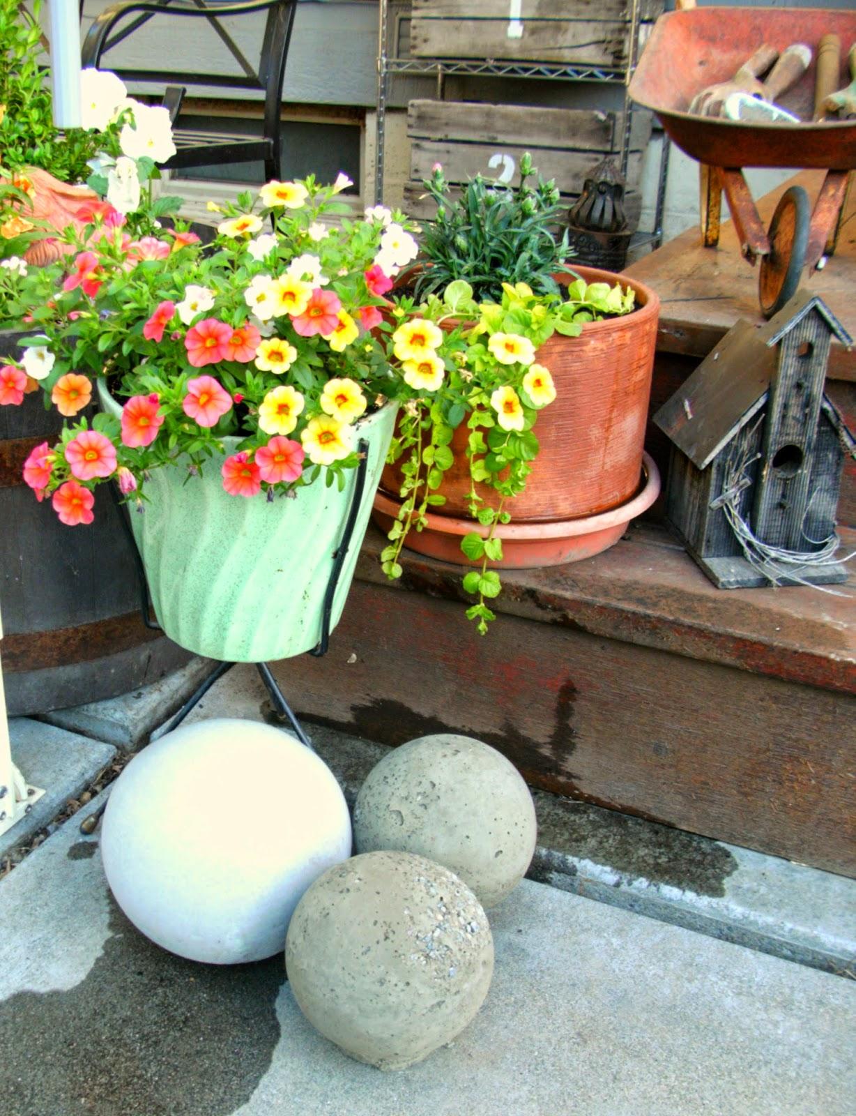 Diy Concrete Garden Spheres Weekend Yard Work Series