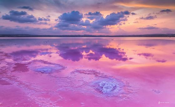 Indahnya Danau Pink di 5 Lokasi Wisata Dunia