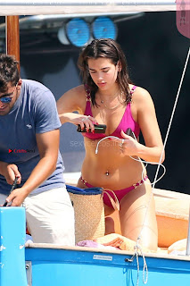 Dua-Lipa-Bikini-On-Holiday-In-Capri--04+%7E+SexyCelebs.in+Exclusive.jpg