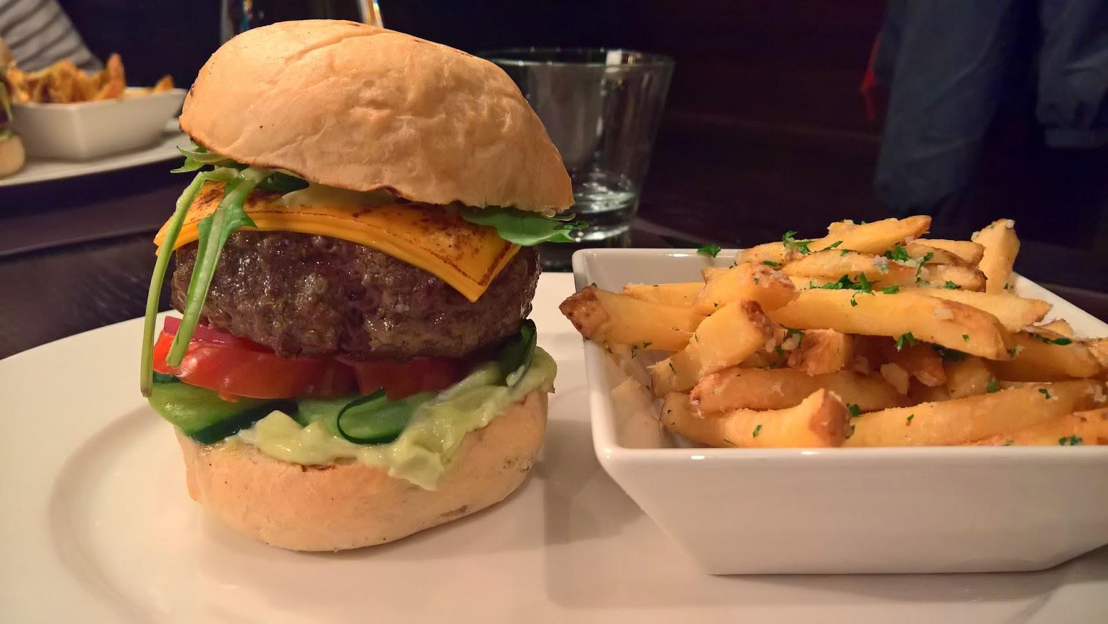 Jyväskylä hampurilaistesti hampurilainen burger mallaspulla ruokablogi stefan's steakhouse