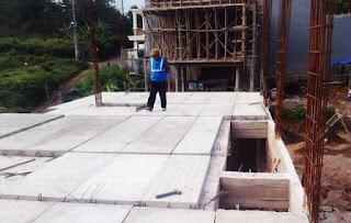 Lantai panel beton pra cetak