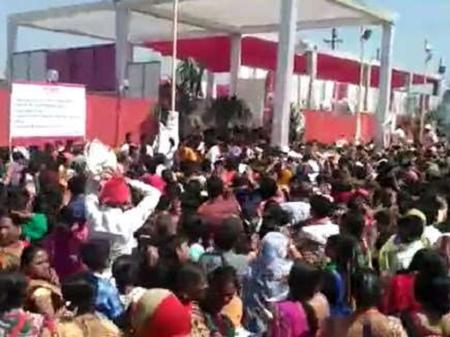 BJP के कार्यक्रम में हुई लूट, मची भगदड़, बड़ी संख्या में लोग घायल | MP NEWS