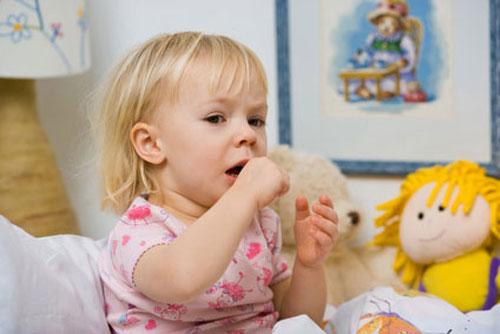 Trẻ em ho lâu cần nghĩ tới các biến chứng rất nguy hiểm