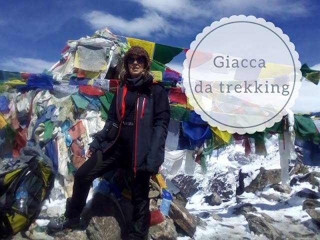 Quale giacca usare nel trekking: sulla vetta del Gokyo Ri in nepal