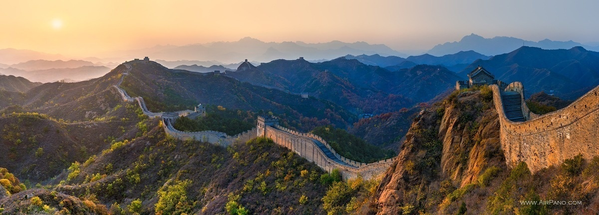 The Great Wall Of China like you've never seen it before. - The Seven Wonders Of The World Look Totally Different In These Unique Photos.