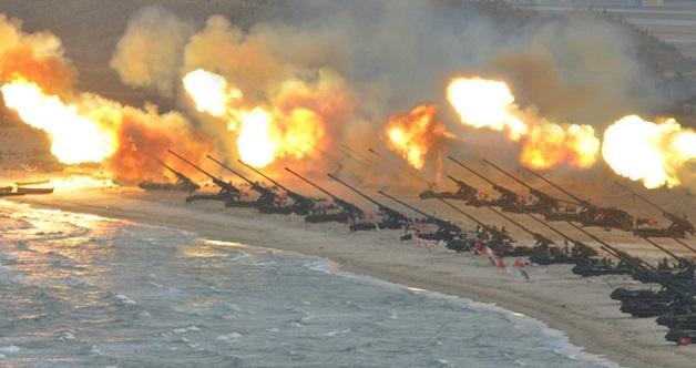 """""""Semua Kubu Hingga Ke Tanah Besar Us Akan Kami Hancurkan, Bermula Dengan Guam!""""(Korea Utara)"""