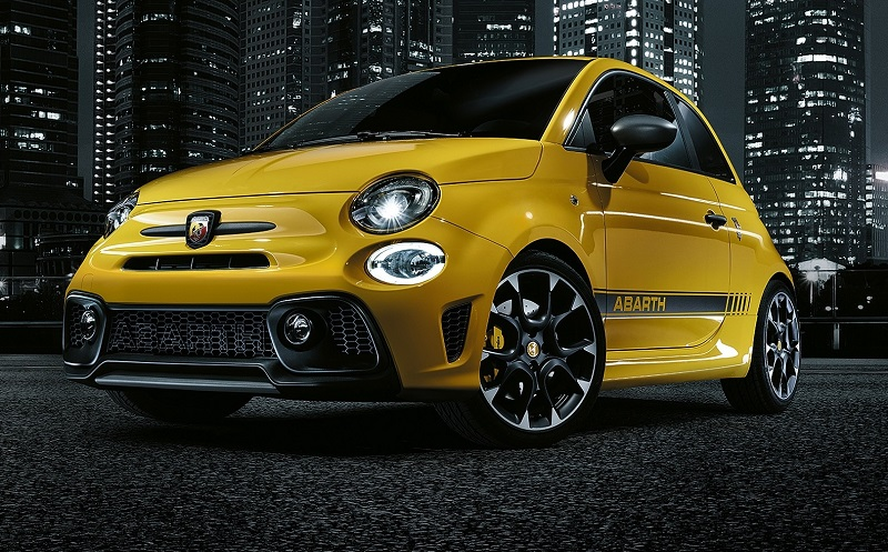 refreshed 2017 abarth 595 unveiled fiat 500 usa. Black Bedroom Furniture Sets. Home Design Ideas