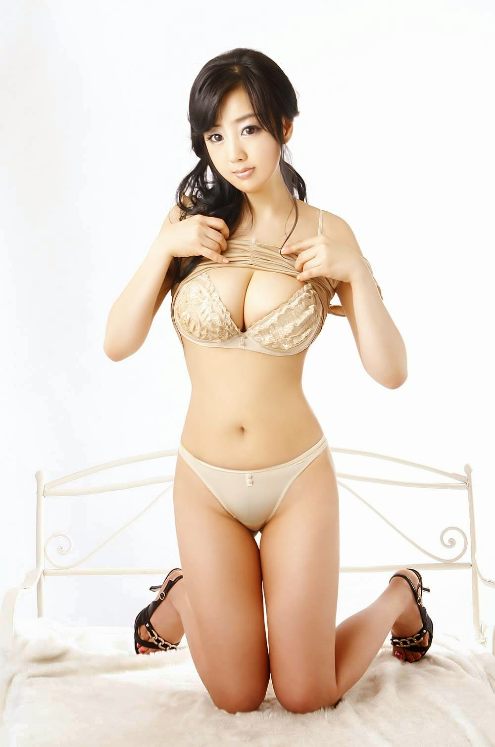Hot busty korean model 11