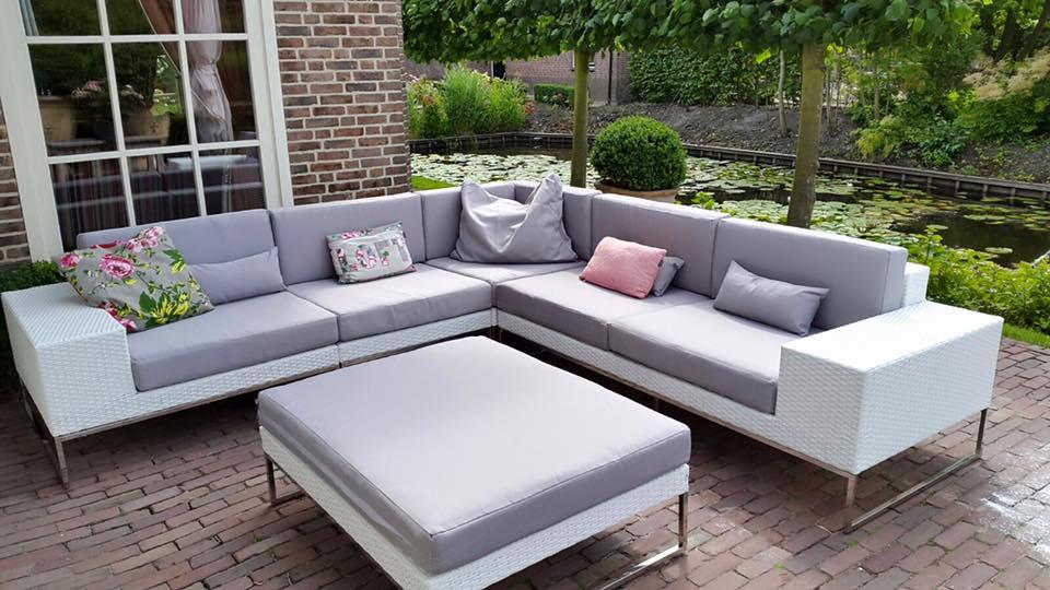 Arbrini design tuinmeubelen - Decoratie witte lounge ...