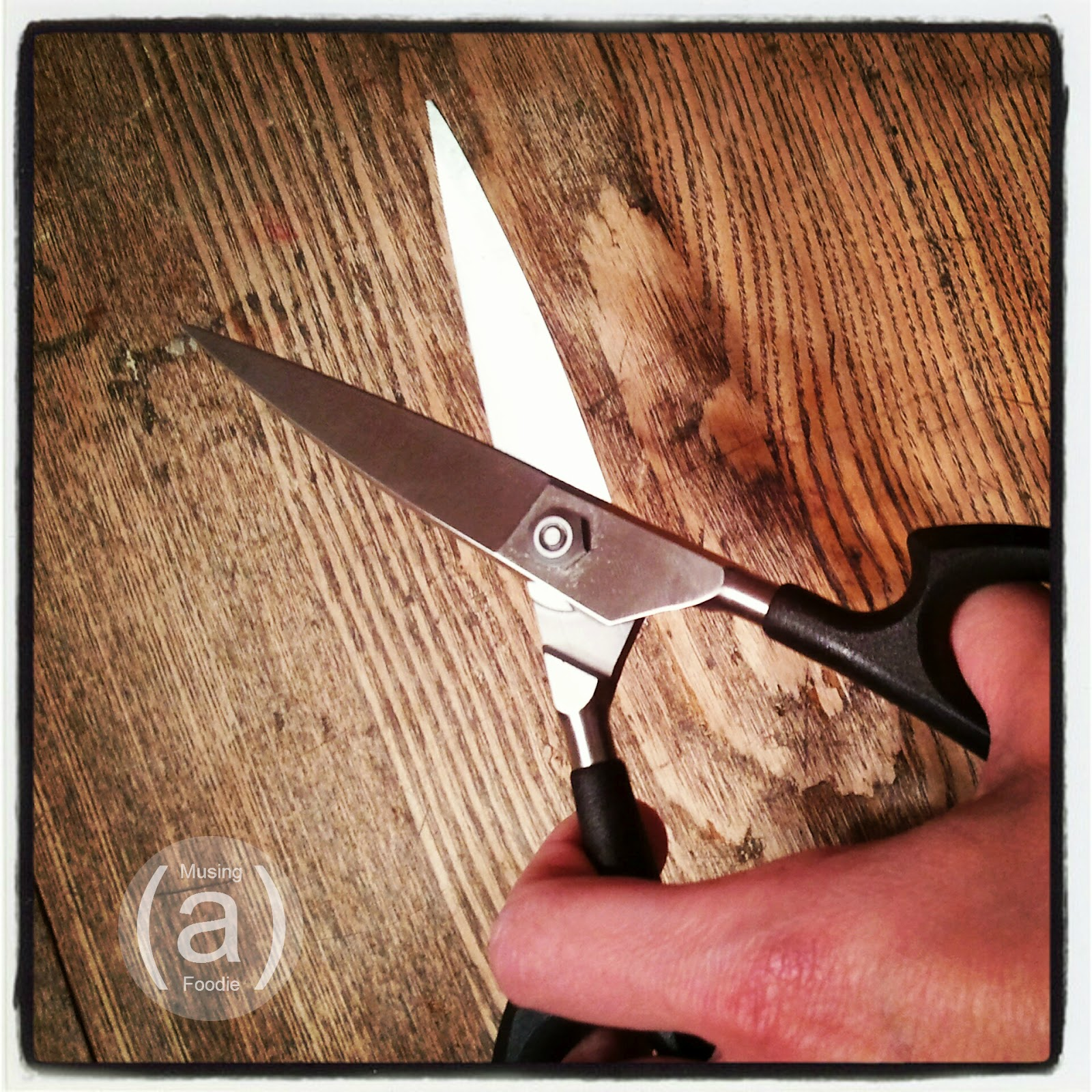 2 great uses for kitchen shears + @cutcocutlery giveaway