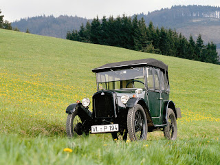 Automotive Database: BMW 3/15
