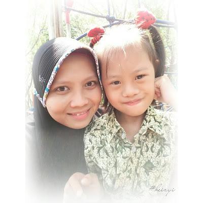 Aku dan Nia (My Special Needs Sister) di Taman Kota Pasuruan