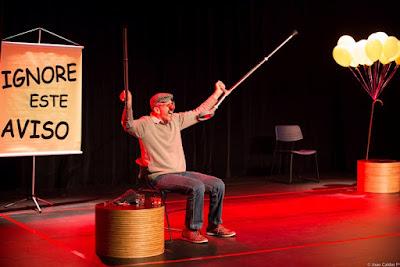 Circo em destaque: Sesc traz premiado ilusionista Caio Ferreira peça com ator e palhaço Nando Bolognesi
