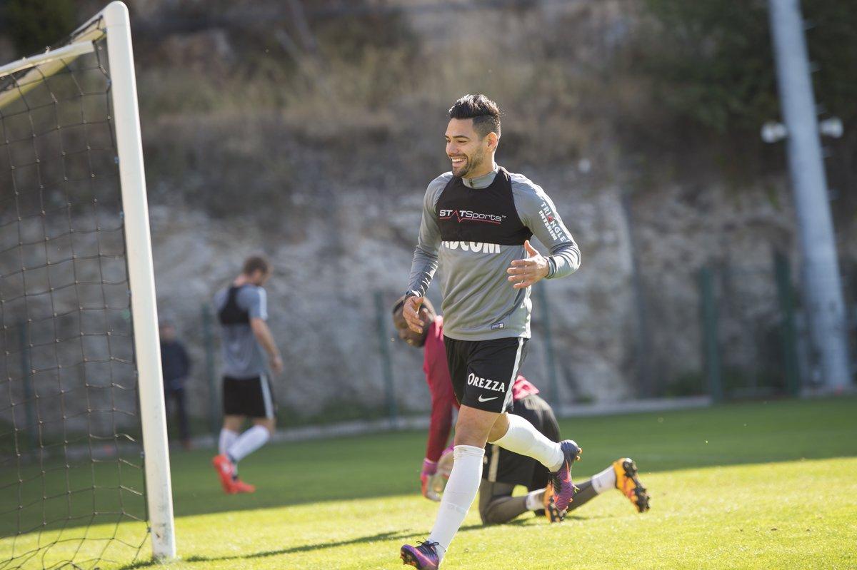 Radamel Falcao to Join Nike Footy Headlines