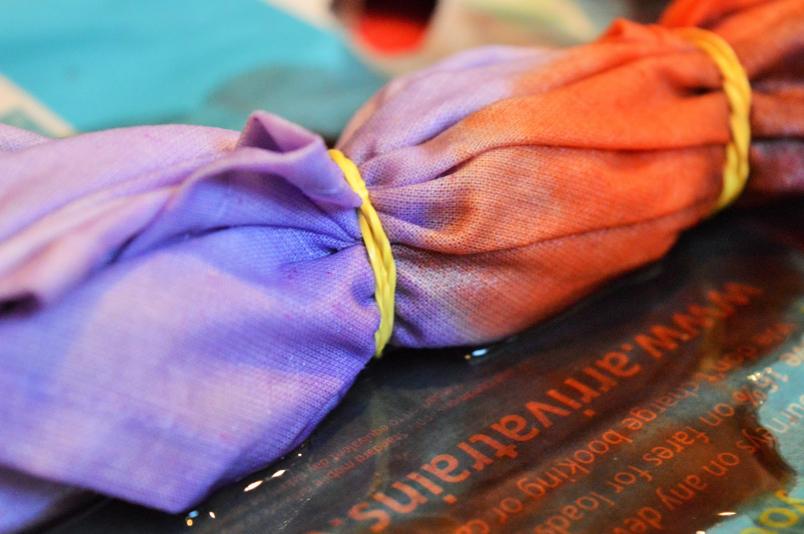 Tie-dye tea towels with Dylon!
