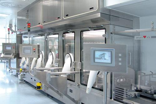 How Compounding Aseptic Isolators Can Be Cleaned Thoroughly?
