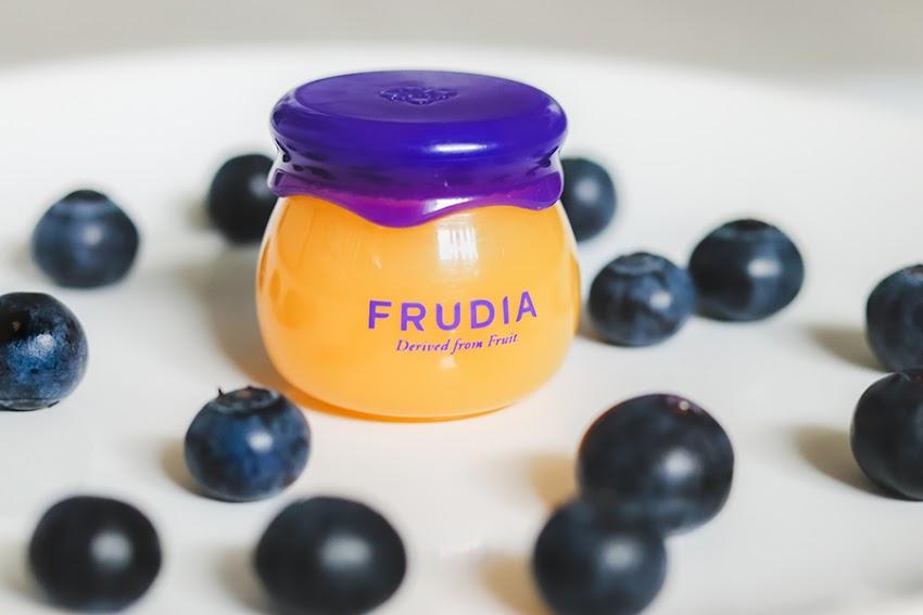 Frudia Blueberry Hydrating Honey Lip Balm - czyli azjatycka propozycja dla suchych ust